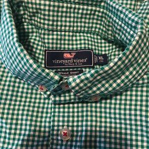 Boys vineyard vines xl button down shirt plaid